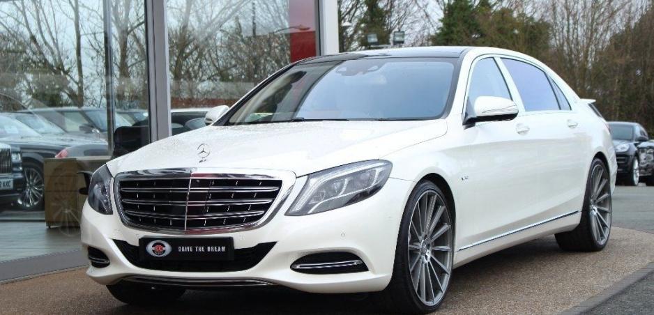 Lewis Hamilton predáva svoj Mercedes Maybach S600. Môže byť aj váš
