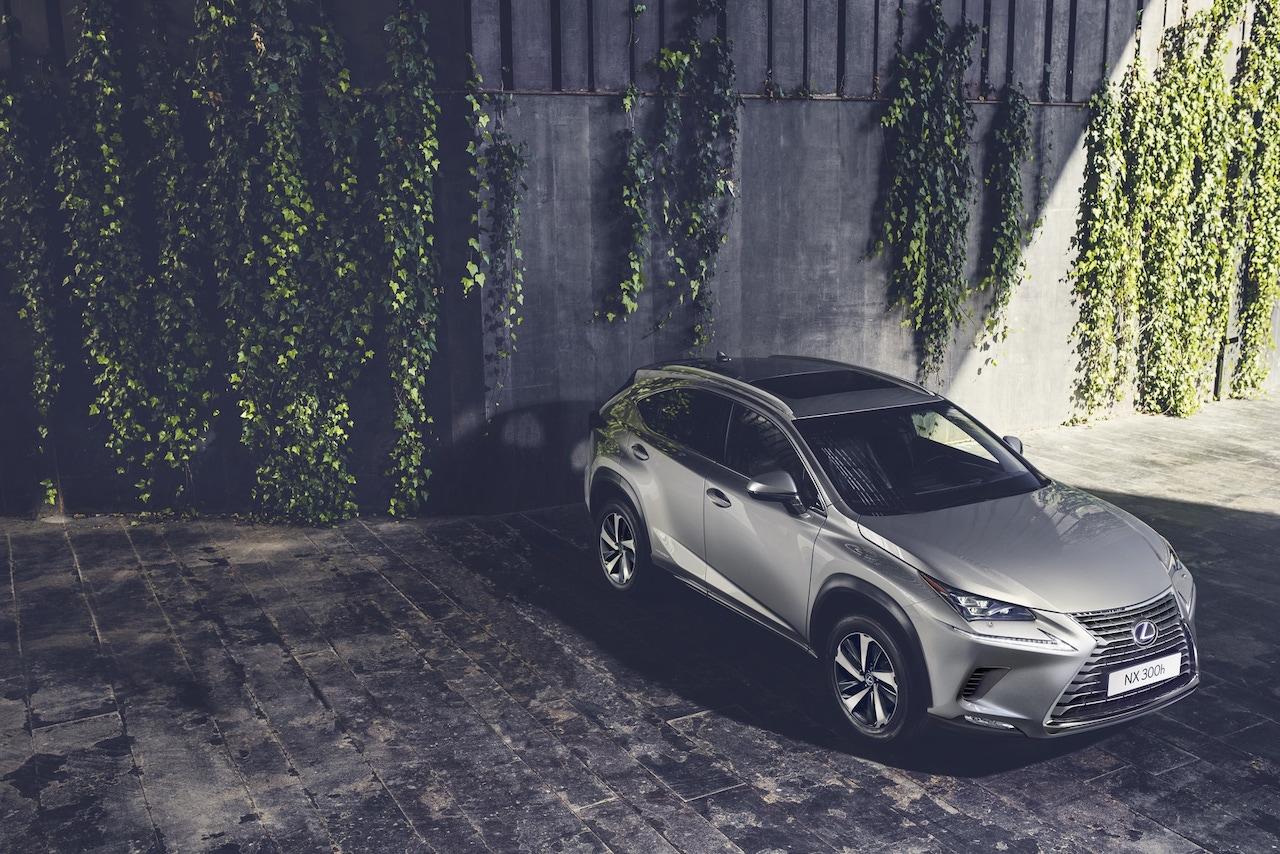 Lexus príde s plug in hybridným modelom NX 450+
