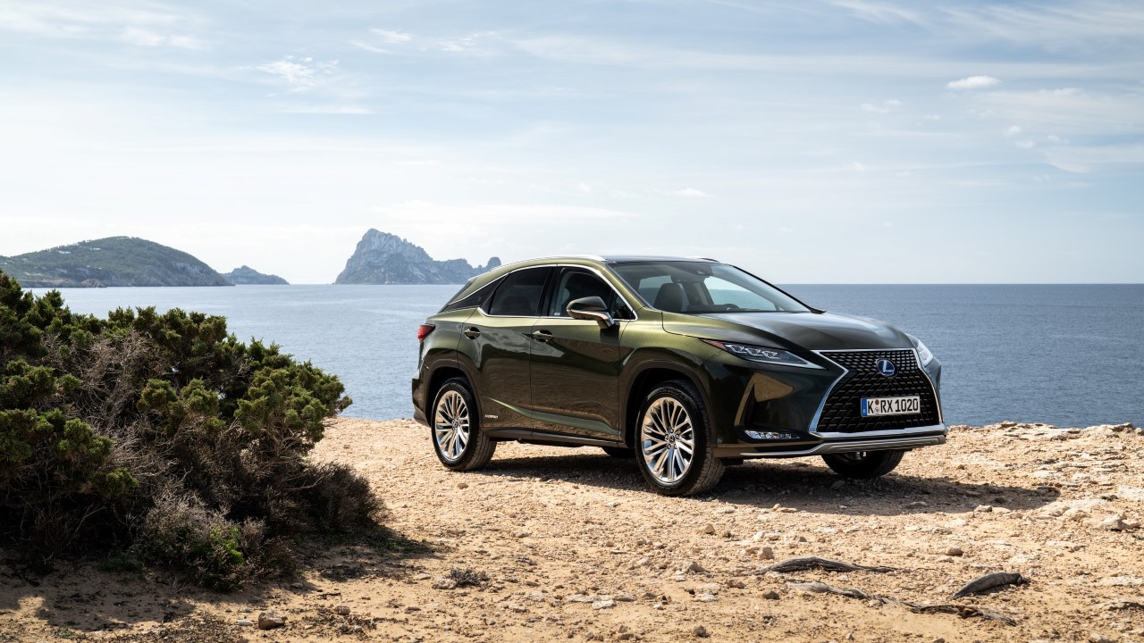 Lexus si zaregistroval nový názov. Zrejme sa tak dočkáme plug in hybridu RX 450h+