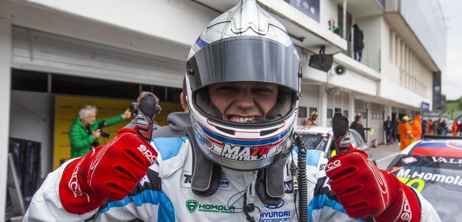 Maťo Homola v TCR Europe: Prvé preteky, prvá výhra