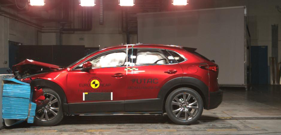 Mazda CX-30 získala najlepšie hodnotenie ochrany dospelých v histórii Euro NCAP