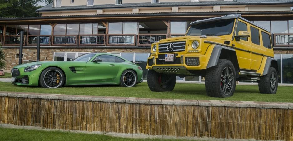 Mercedes G 500 4x42 a Mercedes GT R sme prevetrali na slovenských cestách