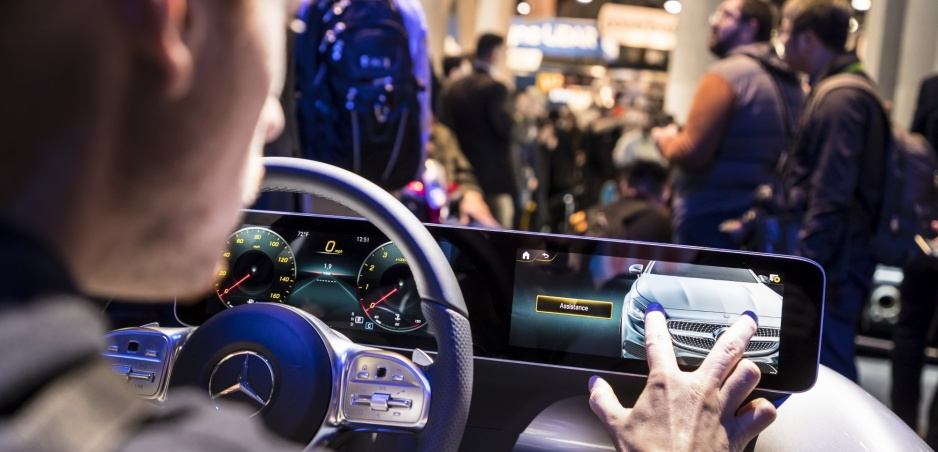Mercedes prezradil viac o novom revolučnom kokpite
