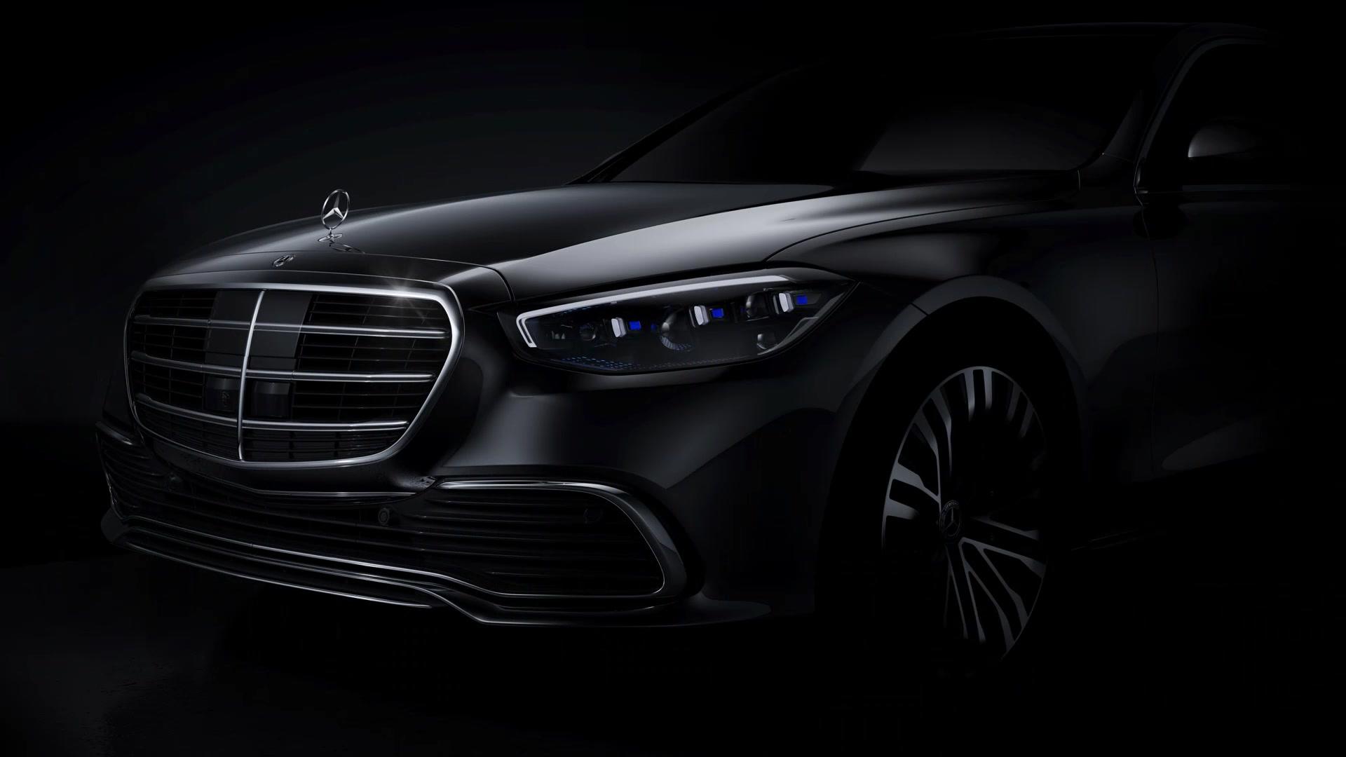 Mercedes ukázal prednú masku a dotykový volant novej triedy S