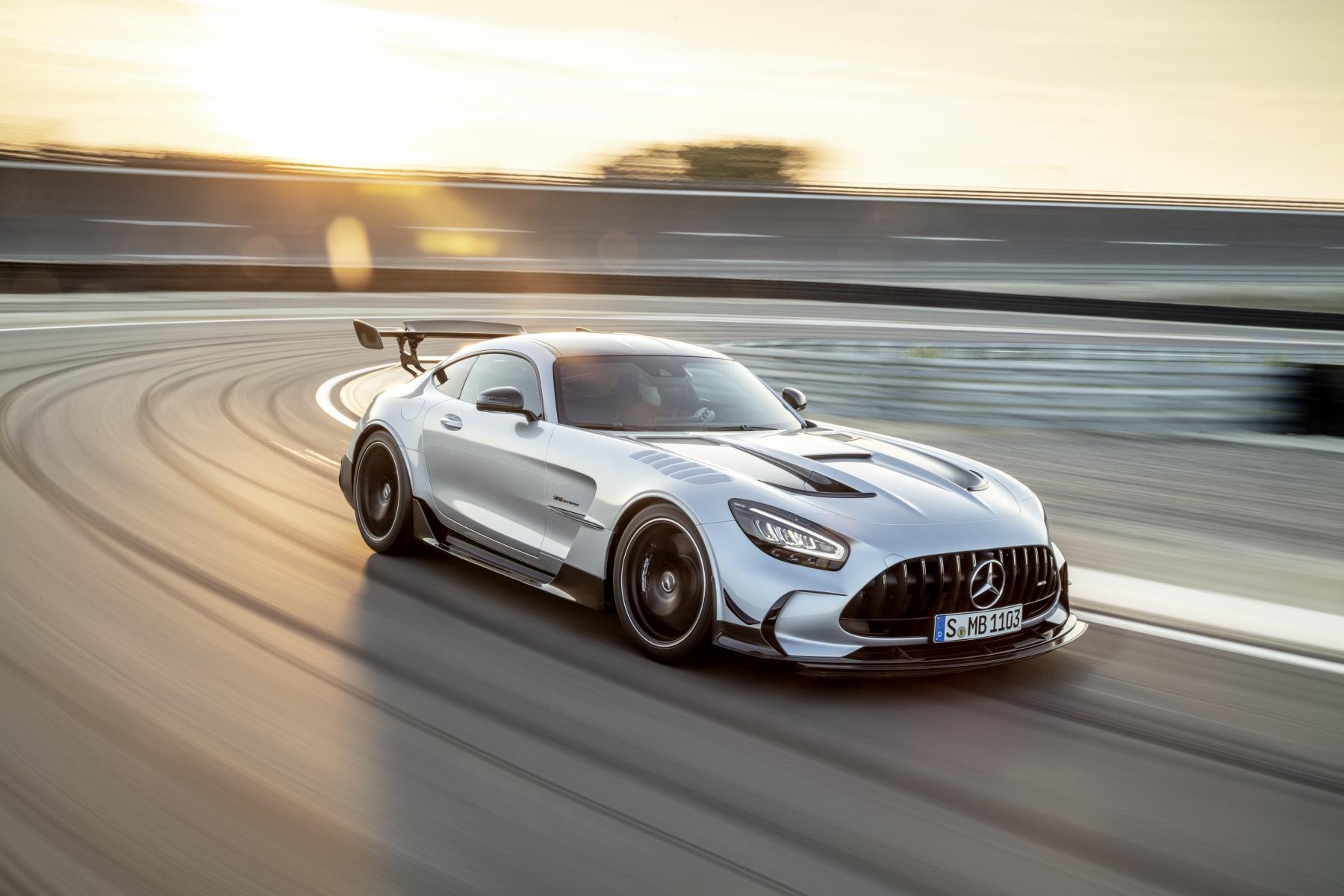 Mercedes zaútočí na okruhy aj cesty modelom AMG GT Black Series