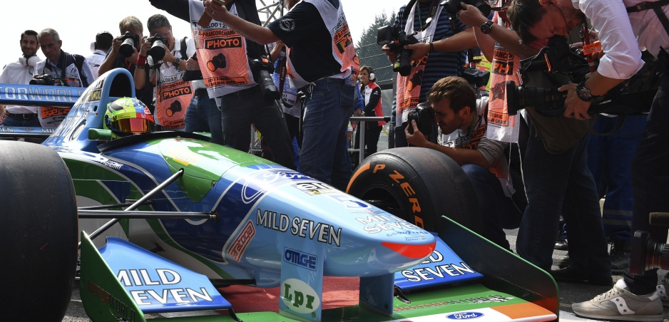 Mick Schumacher sa posadil do otcovho Benettonu