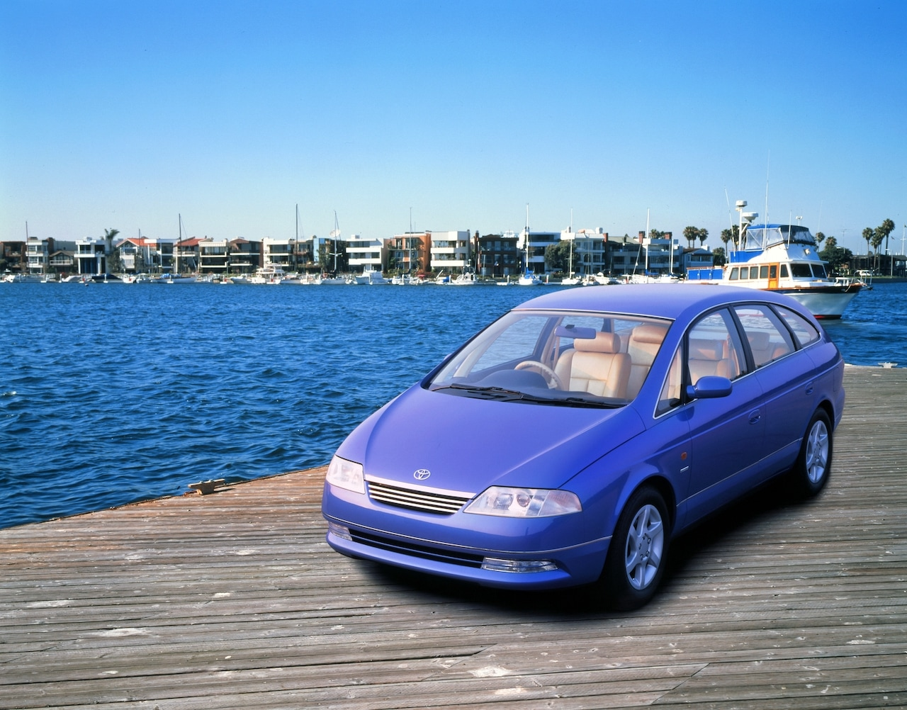 Model Lexus FLV je luxusné auto budúcnosti z roku 1994