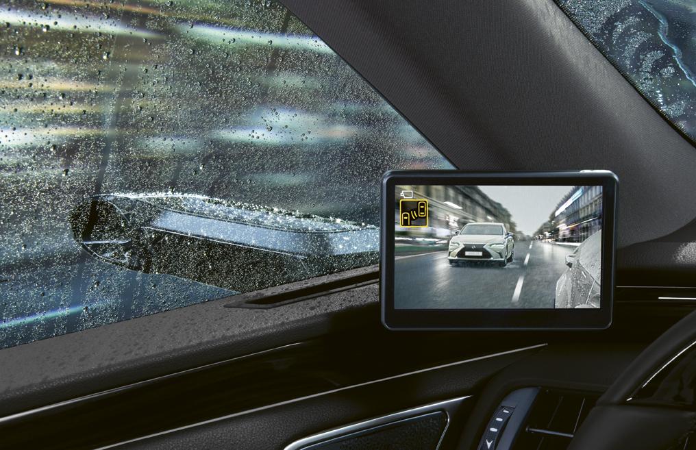 Modernizovaný Lexus ES dostal vylepšené digitálne zrkadlá