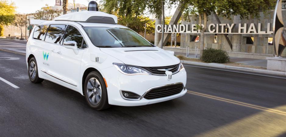 Nehodu autonómneho vozidla už spôsobil aj Google
