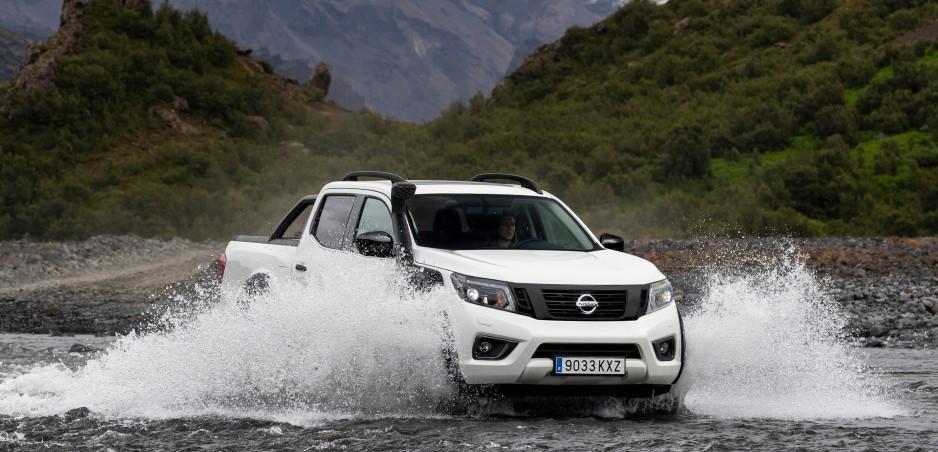 Nissan a Arctic Trucks vyzbrojili Navaru do terénu