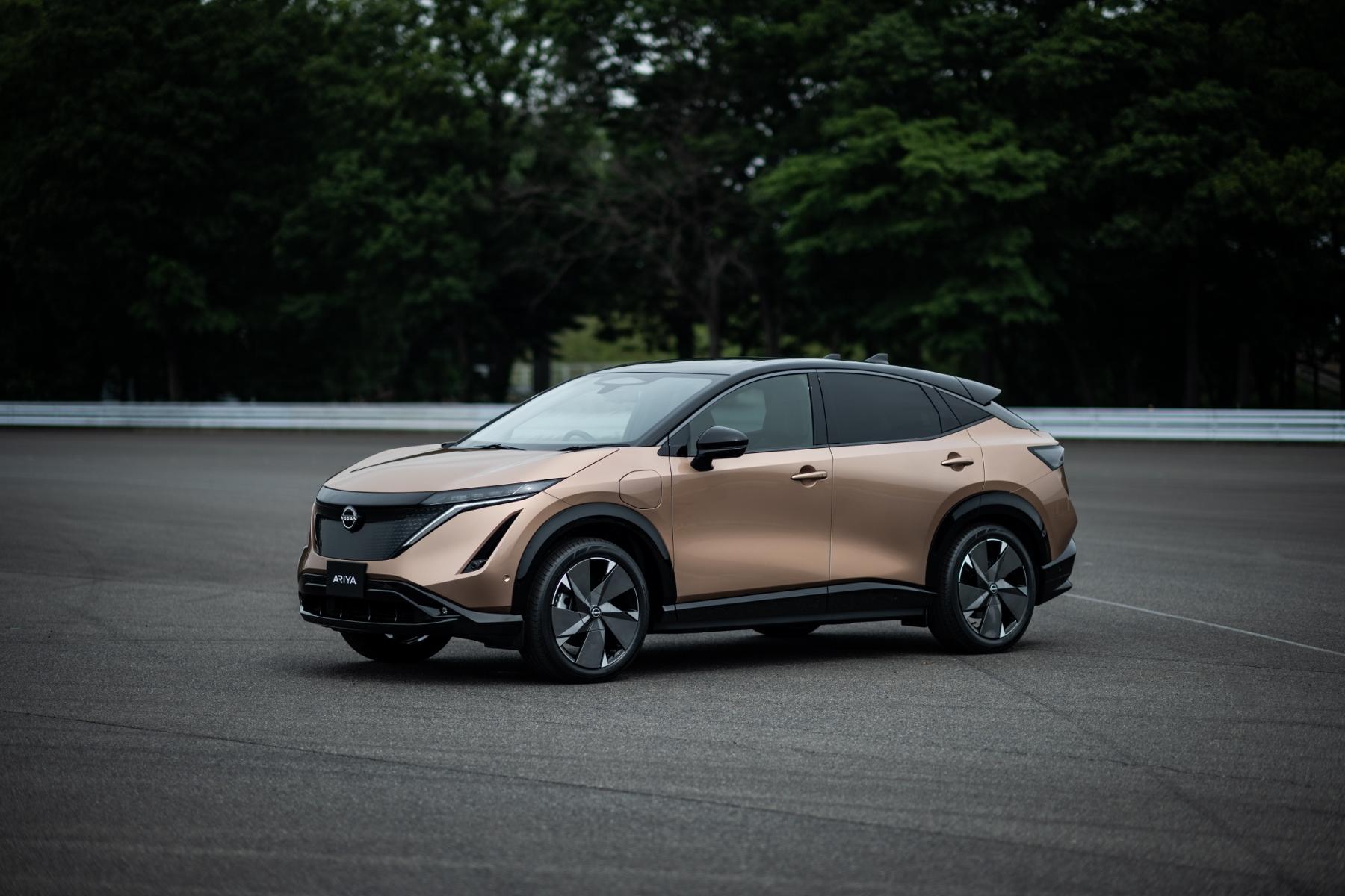 Nissan ukázal elektrický crossover Ariya. Je svojský zvnútra aj zvonku