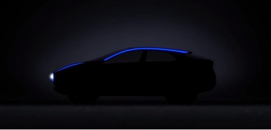 Nissan vo videu poodhalil nový elektrický crossover