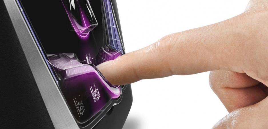 Nový dotykový displej s 3D povrchom sa dá ovládať naslepo