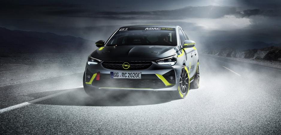 Opel spúšťa rely elektrických áut. Pretekárom pripravil elektrickú Corsu-e