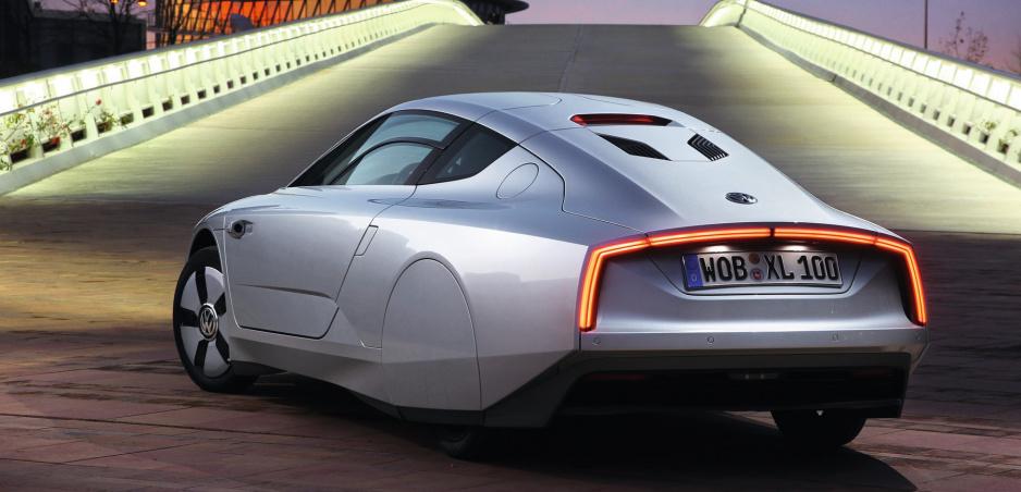 Pamätáte si toto futuristické auto? Volkswagen XL1 môže byť váš