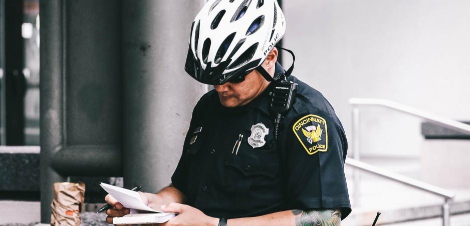Policajná śikana od susedov: Pomáhať a chrániť je motto iba na papieri