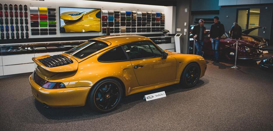 Porsche znovu vyrobilo 20 rokov starý model. Vydražilo ho za 2,7 milióna