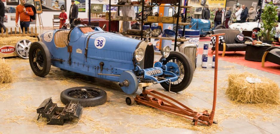 Pozrite si galériu veteránov a pretekárskych áut, vystavených v Prahe