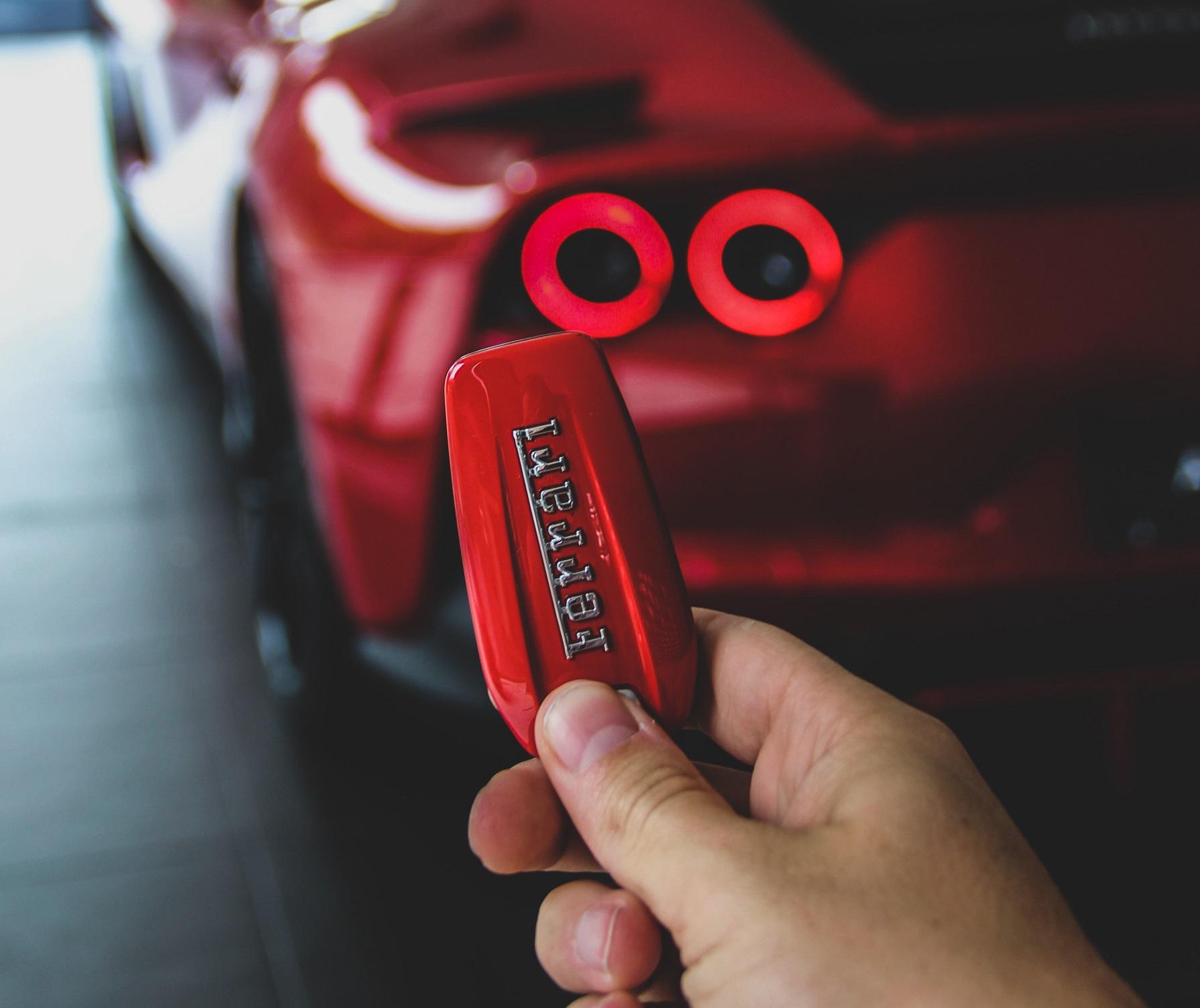Prenájom vozidla – aké prináša výhody?