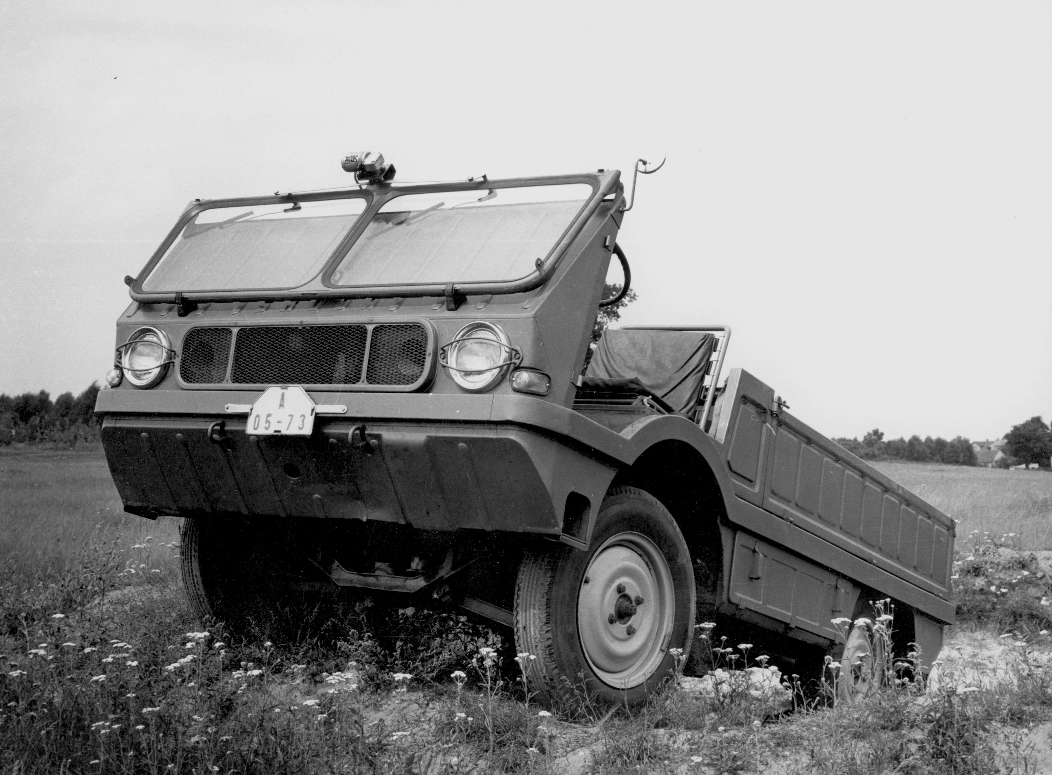 Príbehy menej známych automobilov: Škody typ 998 Agromobil