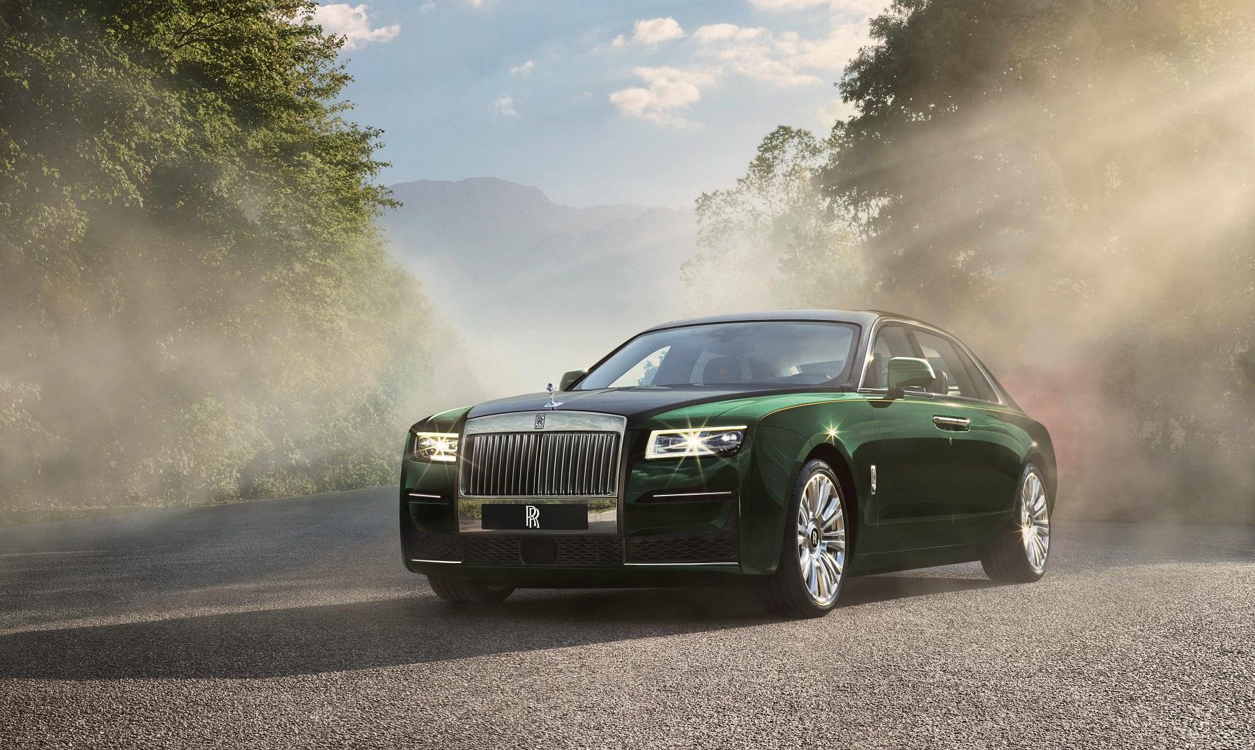 Rolls-Royce Ghost Extended má sedadlá ako súkromný tryskáč