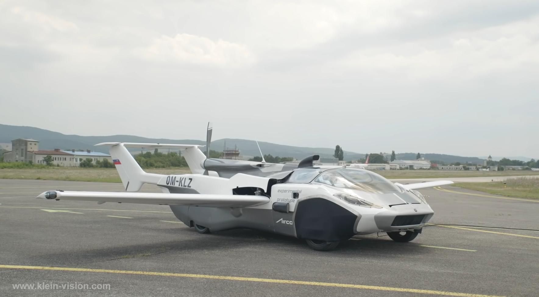Slovenské lietajúce auto prešlo leteckým testom