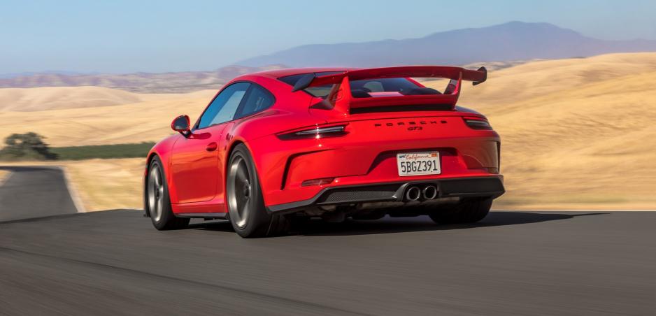 Spoznali sme autá, ktoré si najlepšie držia cenu