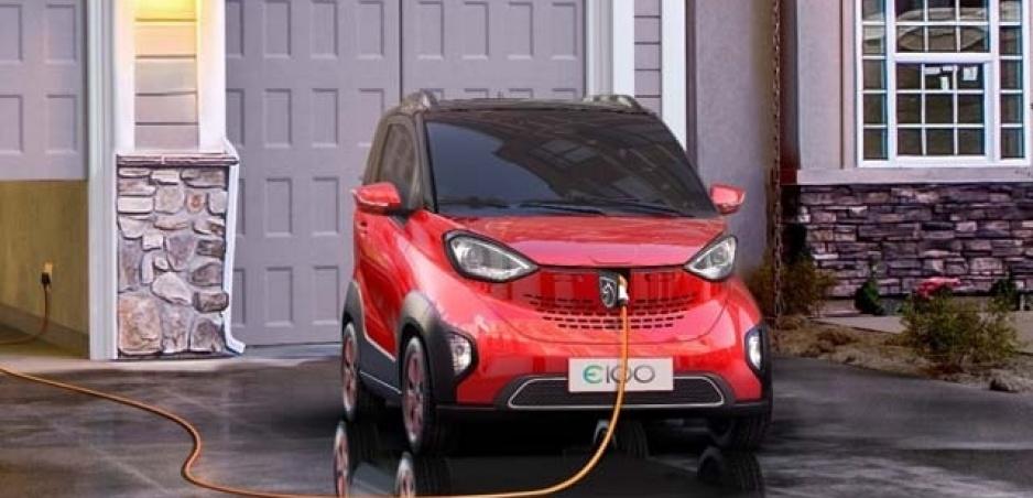 Štát predĺžil dotácie na predaj hybridov a elektromobilov o pol roka