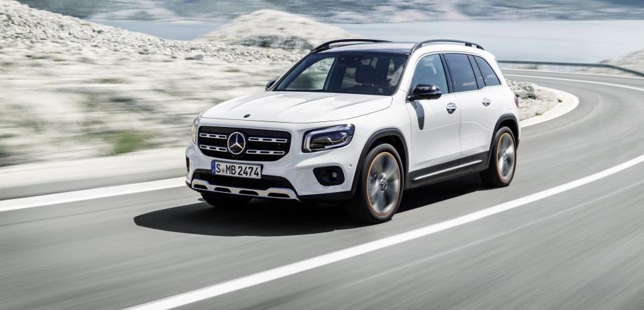 SUV Mercedes GLB sa začína predávať na Slovensku, poznáme jeho cenu