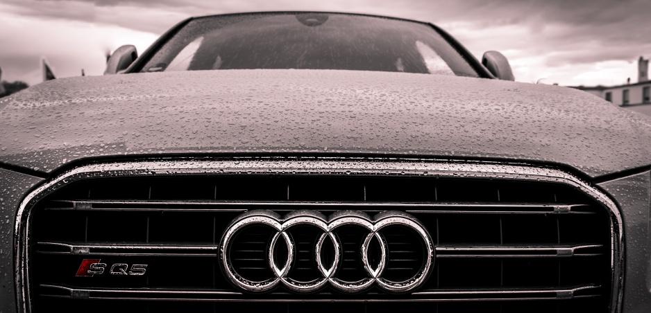 Táto kontroverzná reklama prirovnáva ženy k autám