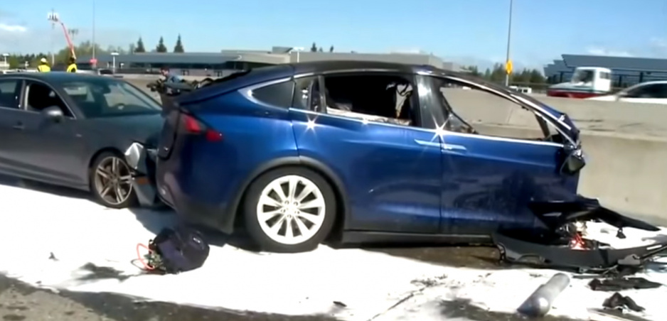 Tesla viní po fatálnej nehode šoféra, ale chybu spravil aj Autopilot