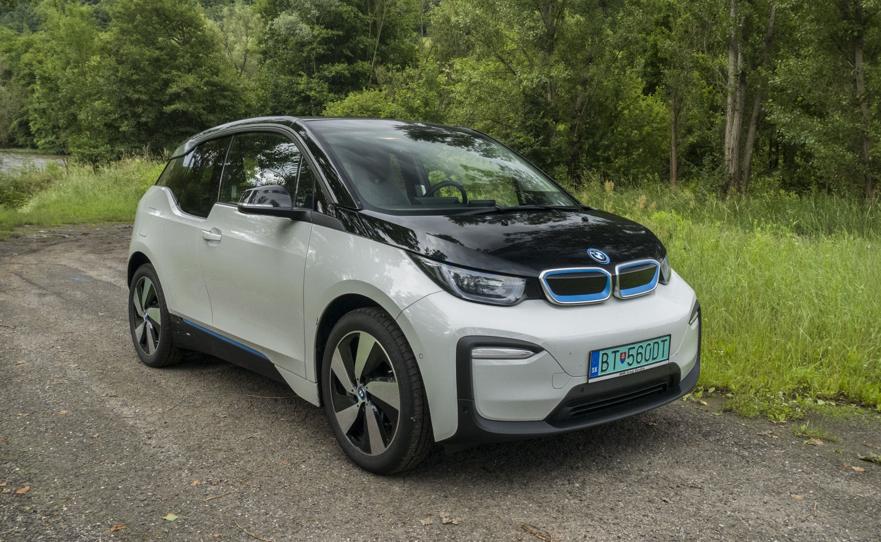 Test BMW i3: Aký je dnes na Slovensku život s elektromobilom?