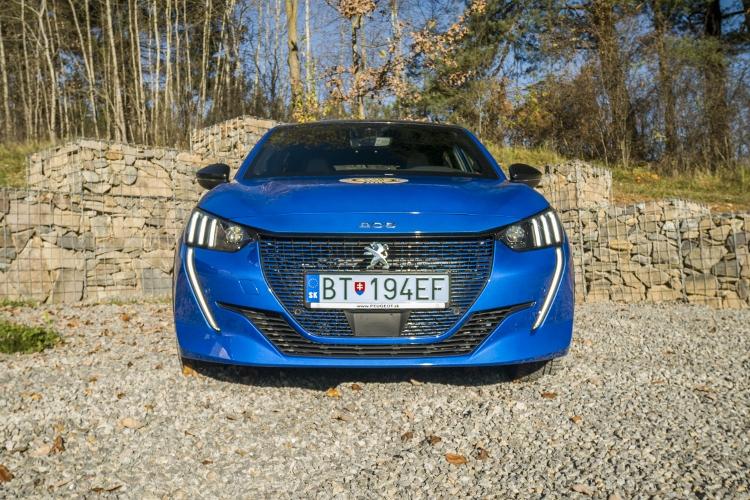 Test: Elektrický Peugeot e-208 má zbytočne veľkú batériu