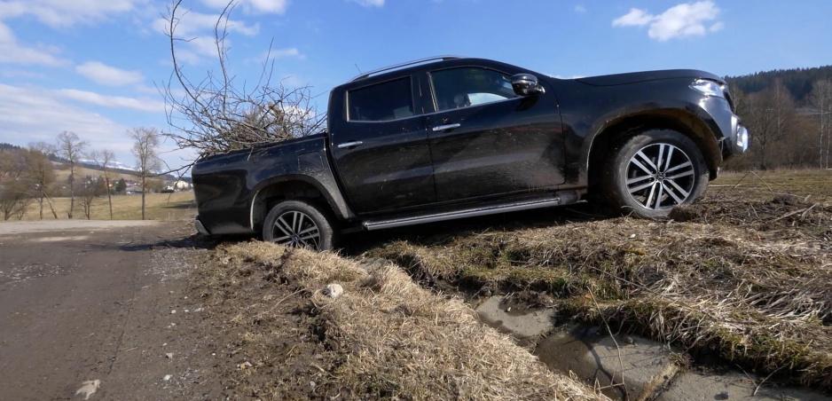 """Test: Mercedes triedy X je (aj) pracovný pickup s hviezdou na prednej maske a za """"hviezdne"""" peniaze"""