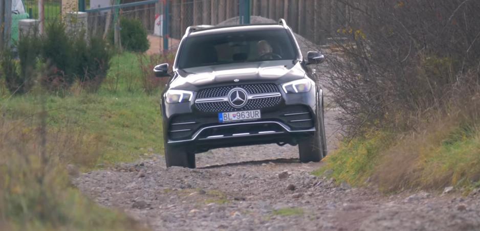 Test: Mercedesu GLE 450 4MATIC viac sedí cesta ako terén