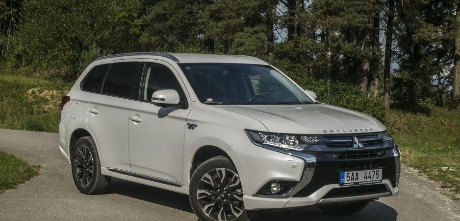 Test: Mitsubishi Outlander PHEV je hybrid s netradičnými riešeniami