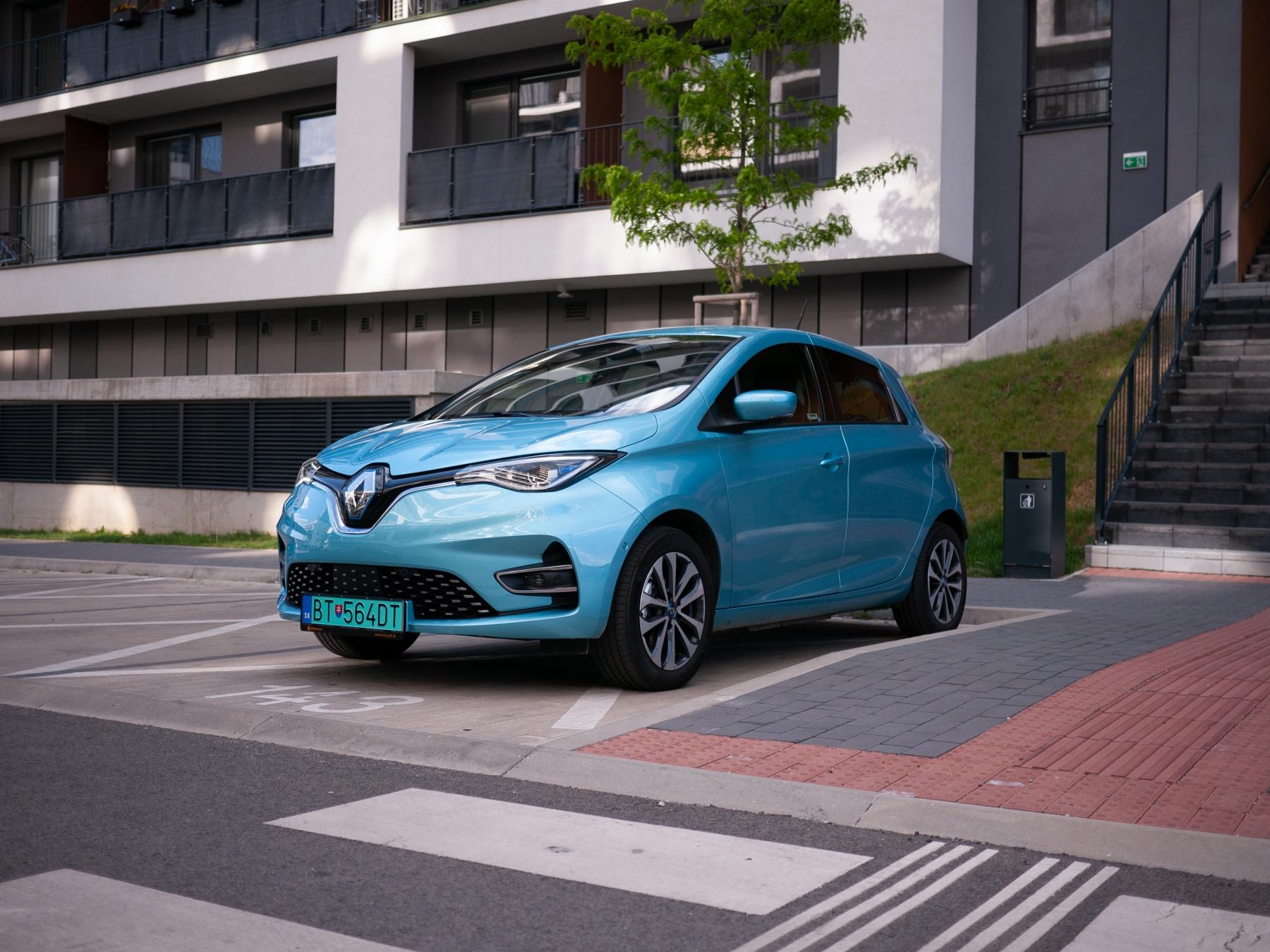 Test Renault ZOE Z.E. 50: Väčší dojazd, väčší výkon, väčší sexepíl