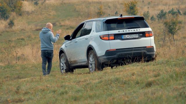 Test: S modernizovaným Land Roverom Discovery sme neobišli ani terén