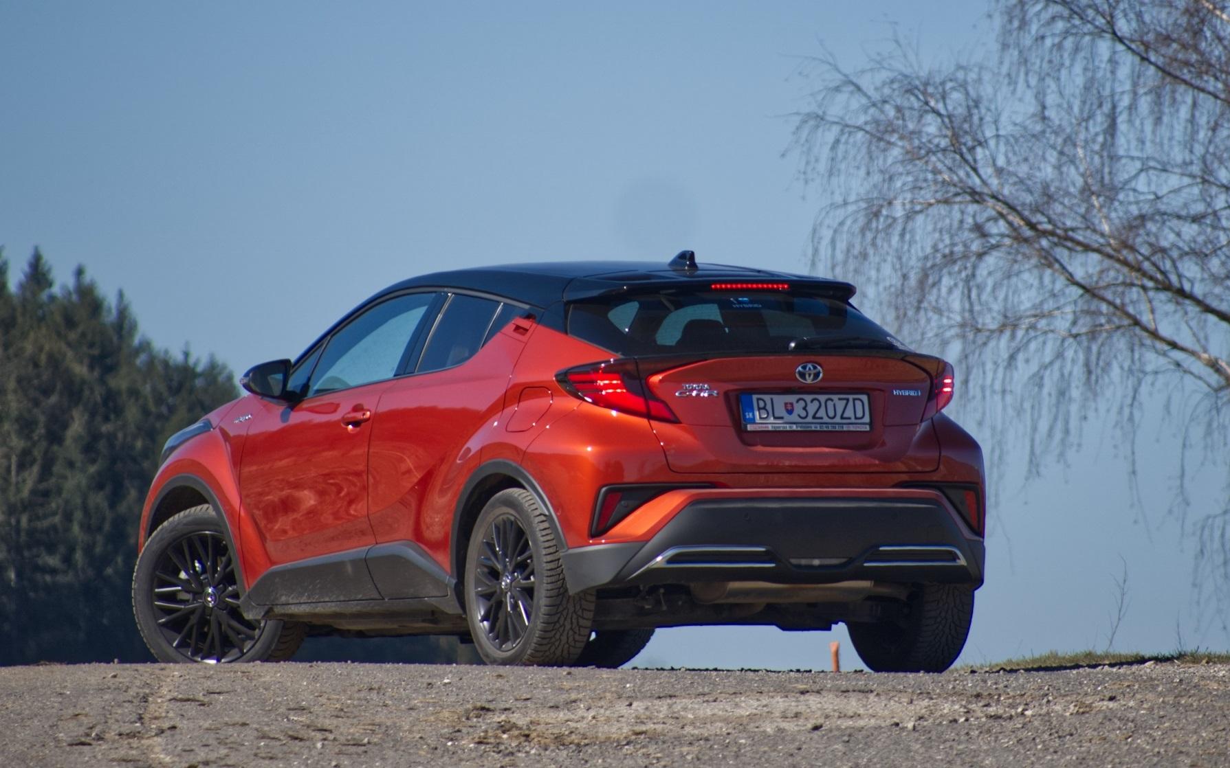 Test: Toyota C-HR získala modernizáciou poriadny výkon