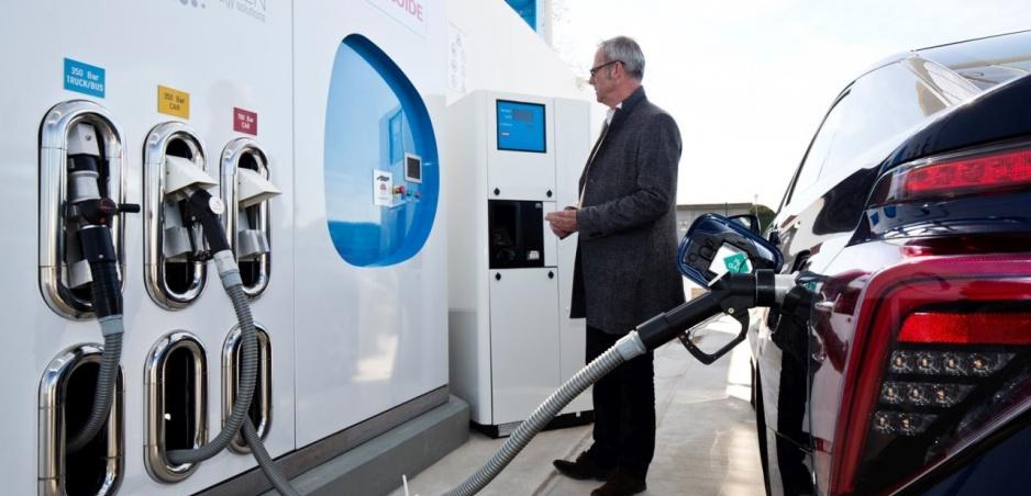 Toyota: Ceny vodíkových áut klesnú na úroveň hybridov