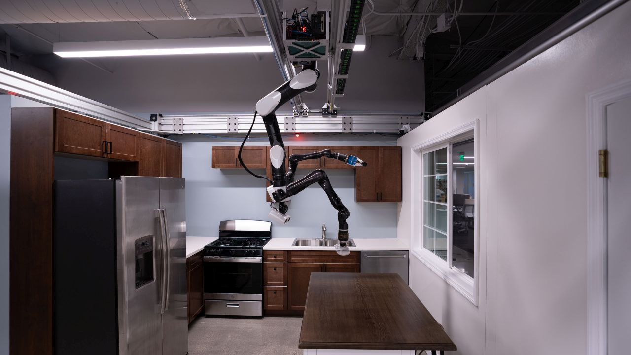 Toyota trénuje roboty na domáce práce