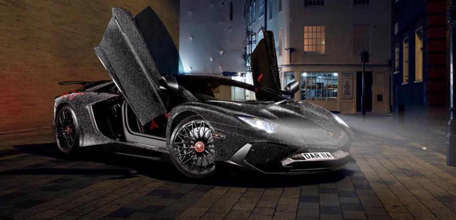 Vlastniť Lamborghini nestačí. Ruska ho obalila do Swarovského