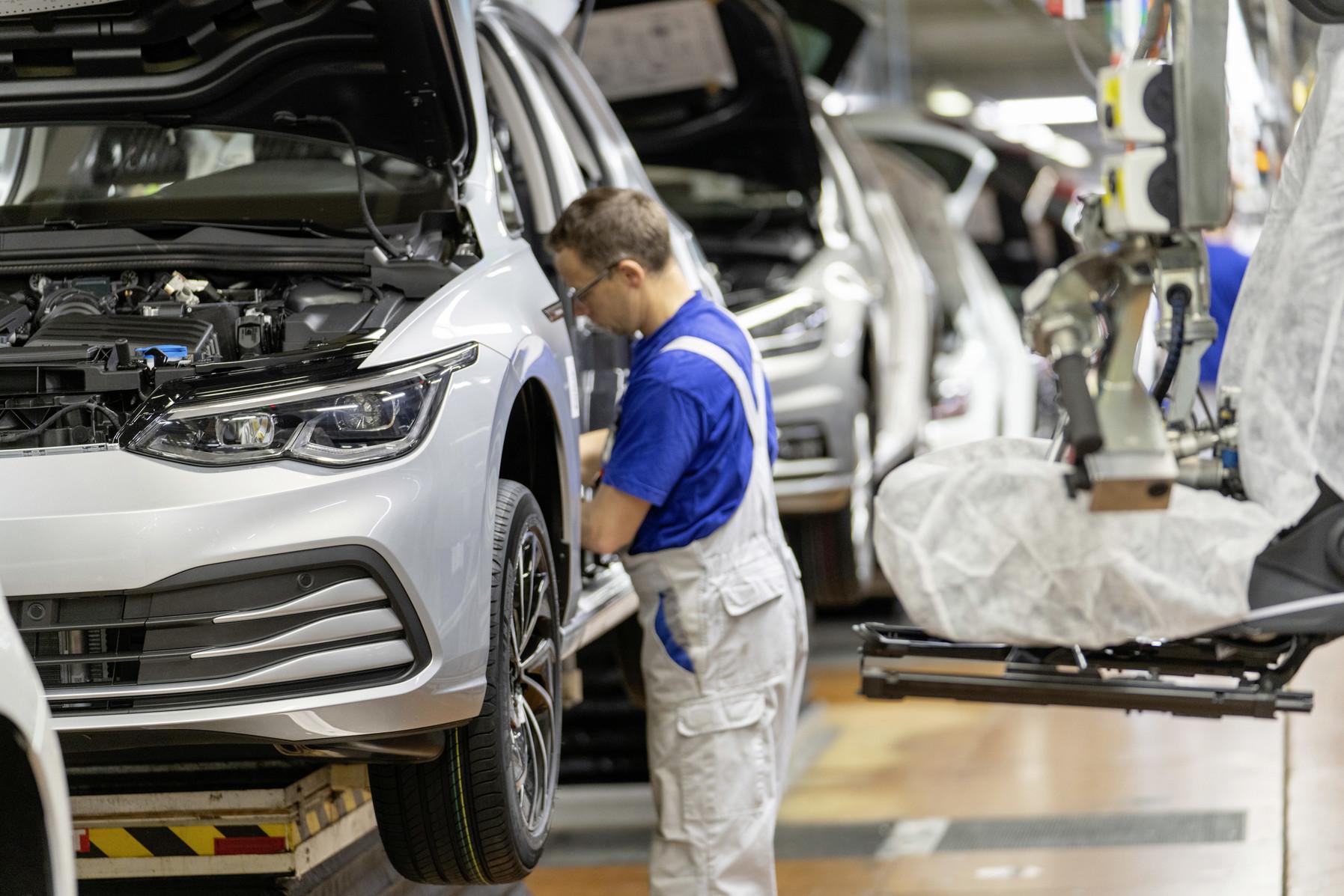 Volkswagen po problémoch obnovil dodávky Golfu. Rovnaký krok očakávame s Octaviou