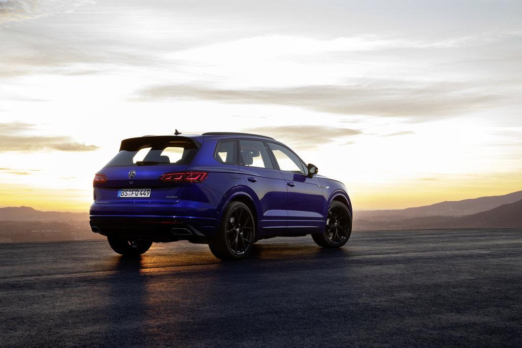Volkswagen Touareg R s plug in hybridným pohonom je už v predaji