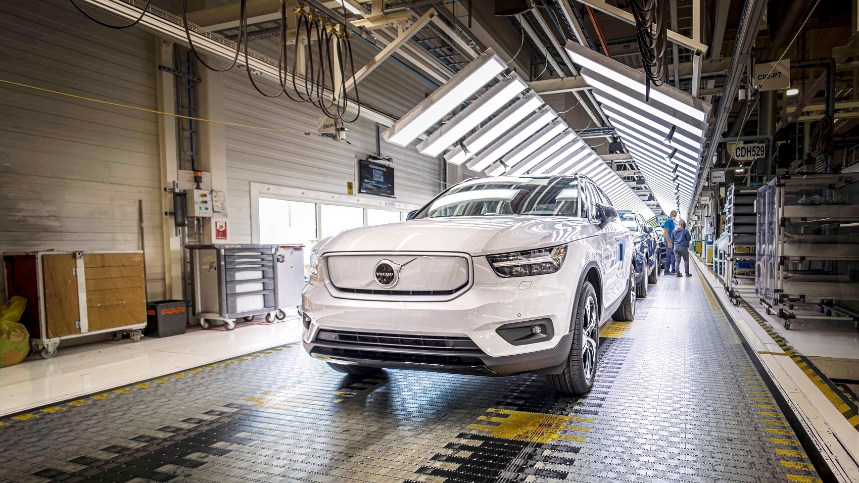 Volvo odštartovalo výrobu elektromobilu XC40 Recharge