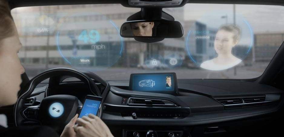 Vozidlá budú sledovať naše oči, aby vedeli, kam sa pozeráme a na čo sa pýtame