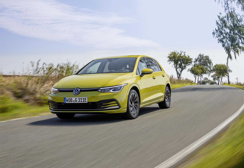 VW Golf dostal nové mild a plug in hybridné motory. Poznáme ich nemecké ceny