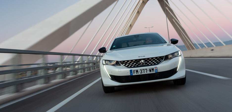 Výkonné plug in hybridy Peugeot 508 a 3008 sú už v predaji