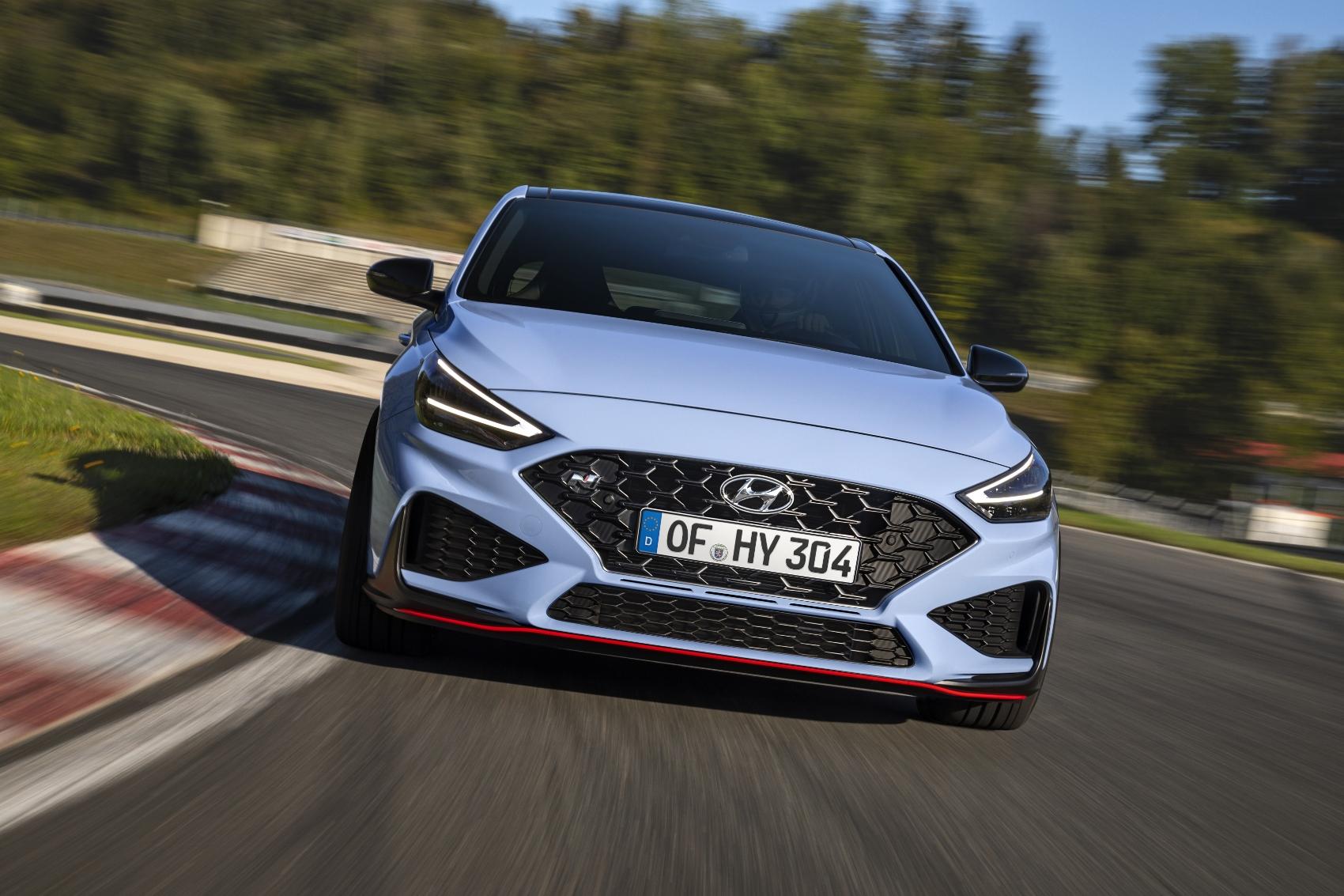 Vynovený Hyundai i30 N s novou prevodovkou je oficiálne predstavený