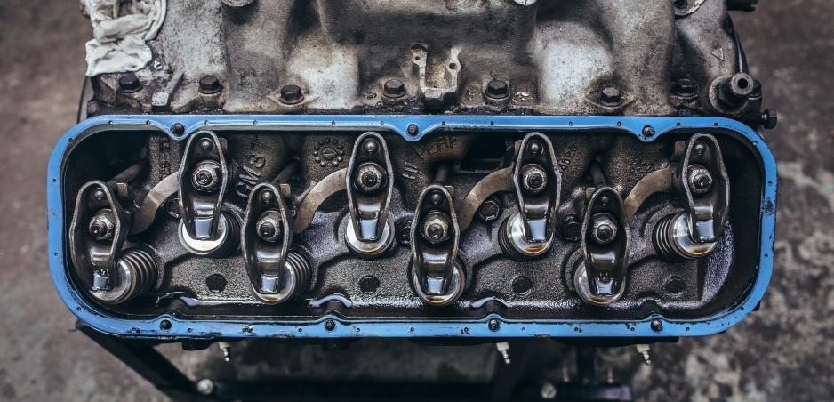 W12, V8, I4: Čo znamenajú tieto skratky?